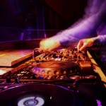 Tips For Booking A DJ
